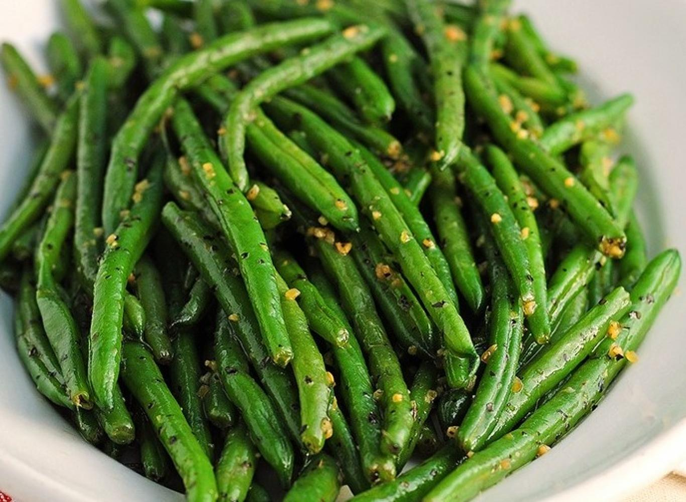 Sauteed String Beans Serve 6 to 8 People