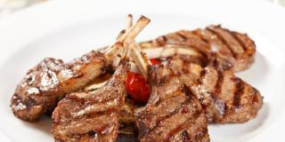 Grilled Lamb Chops with Mushrooms & Onions Serves 10 People